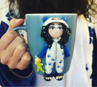Mug avec figurine polymère